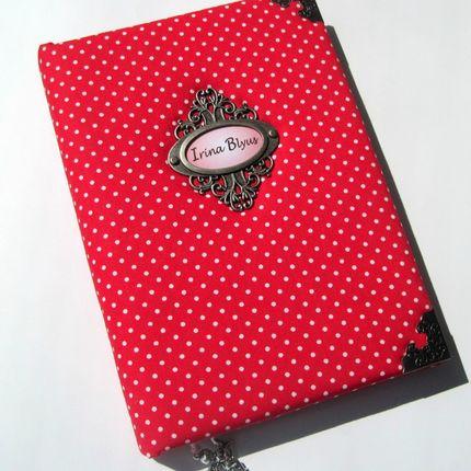Книга ручной работы в красных тонах