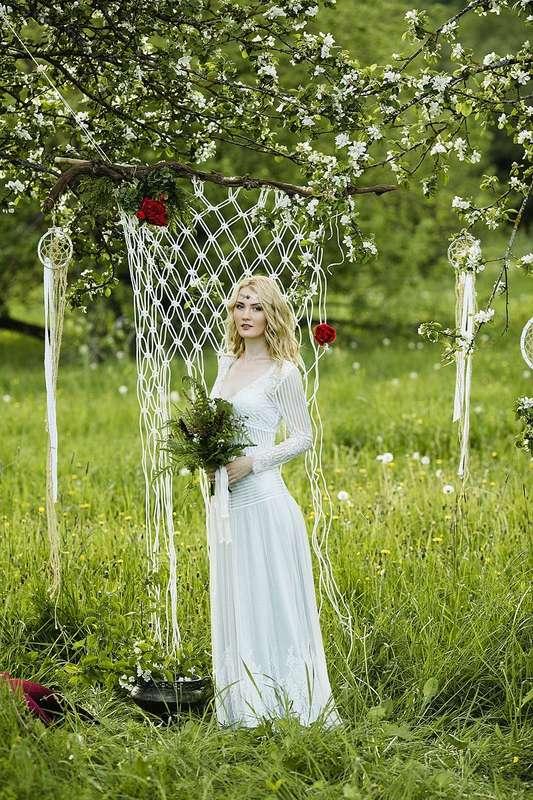 свадебное платье в стиле бохо в наличии, размер 42-44, рост 175-185, цена 28000р. - фото 16262506 Kosmi bridal - свадебные платья
