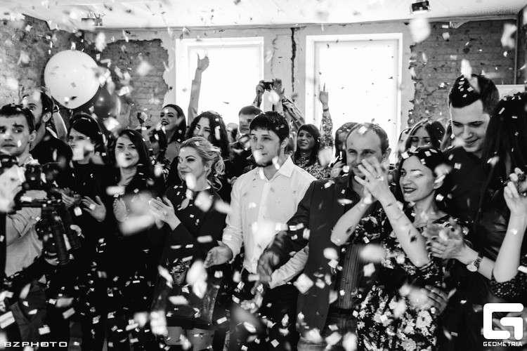 Конфетти-шоу - уникальные эффекты для Вашей свадьбы 8 910 210 42 63   - фото 10450292 Студия эффектов WowShow