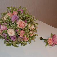 букет в стиле прованс.нежные розы обрамленные фитоспорумом.