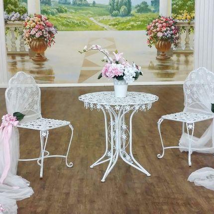 Стол и 2 стула для фотосессии на прокат
