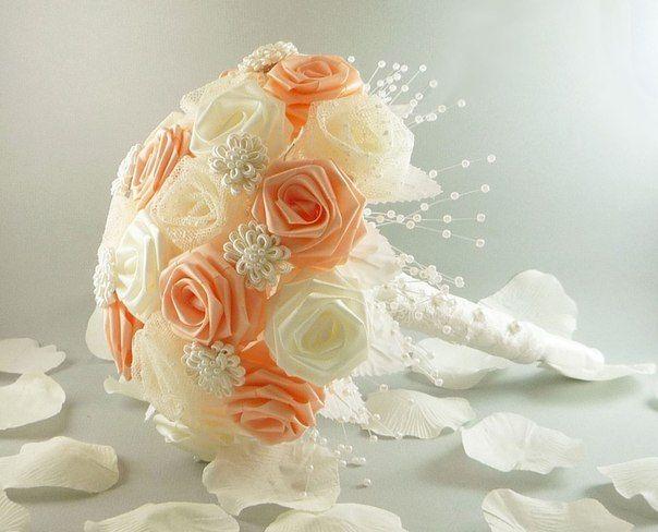 Букеты невесты из атласных лент