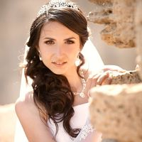 Невеста Валерия. Свадебный макияж и Прическа из локонов на бок