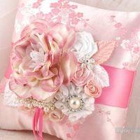 Подушка для колец в нежно-розовом цвете