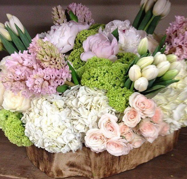прекрасная весенняя композиция - фото 3665845 Ателье цветов FlowersMaslik
