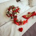 Красные кустовые розы, альстромерия, гипсофила, стахис  Флористика - Мария Должикова  Для заказа декора и флористики пишите в личку или звоните 8-953-956-98-89