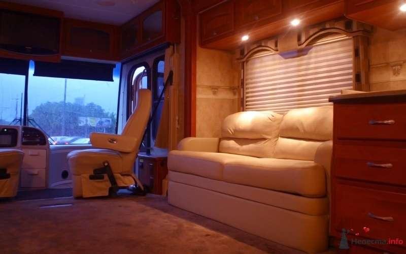 Мягкие диваны. - фото 29868 Шикарус - аренда эксклюзивного транспорта