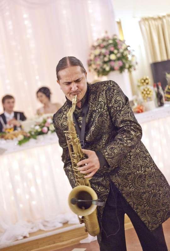 Фото 10850414 в коллекции Тимур Абитов Свадебные Фото - Саксофонист Тимур Абитов