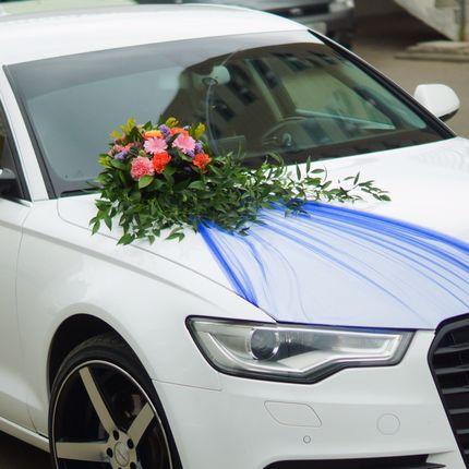 Оформление авто цветами и драпировкой