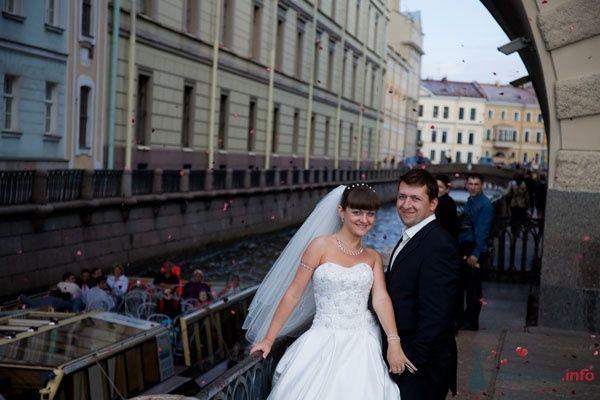 Фото 33571 в коллекции Свадебное путешествие Полины и Вадима в Петербург
