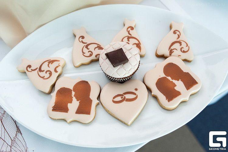 Фото 2507939 в коллекции Candy Bar- маленькие сладости! - Надежда Алябьева - свадебные торты