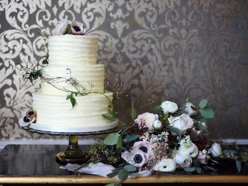 Торт и флористика на свадьбу. Екатерина Праздник - фото 17255550 Екатерина Праздник - организатор и ведущая