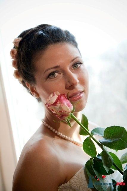Свадебная прическа с кустовыми розами - фото 101682 Визажист-стилист свадебного образа Лариса Костина