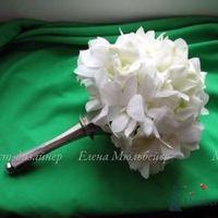 Букет из орхидей на серебрянной портбукетнице