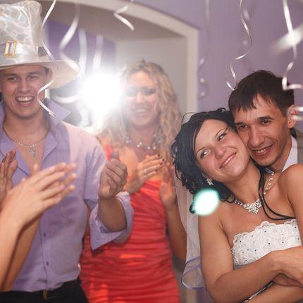 Проведение свадеб, выездных регистраций
