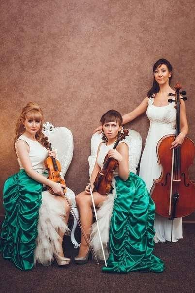 Фото 9398822 в коллекции Открытие Делового кафе tmn - Скрипичное соло Ekaterina Grand
