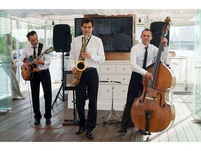 Джаз Кавер Трио Playtime. Корпорат на кораблике - фото 4861319 Джаз-кавер-группа Playtime