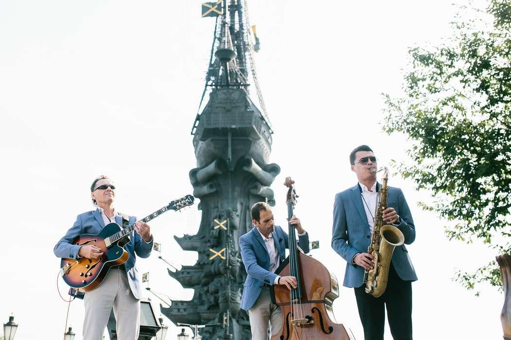 Джаз группа Playtime джазовые музыканты на свадьбу. Саксофонист -  живое исполнение. - фото 14661446 Джаз-кавер-группа Playtime