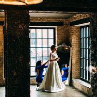 Сборы невесты, утро невесты, детали утра невесты, свадебное платье, подружки невесты, образ невесты, фотосессия в фотосутдии