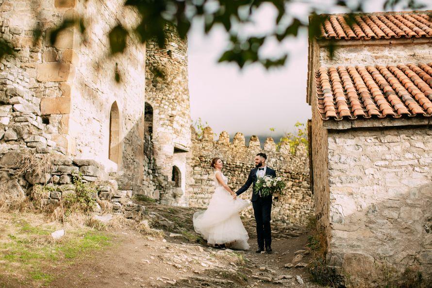 Свадебная прогулка. свадьба в Грузии. - фото 16657348 Фотограф Марина Назарова