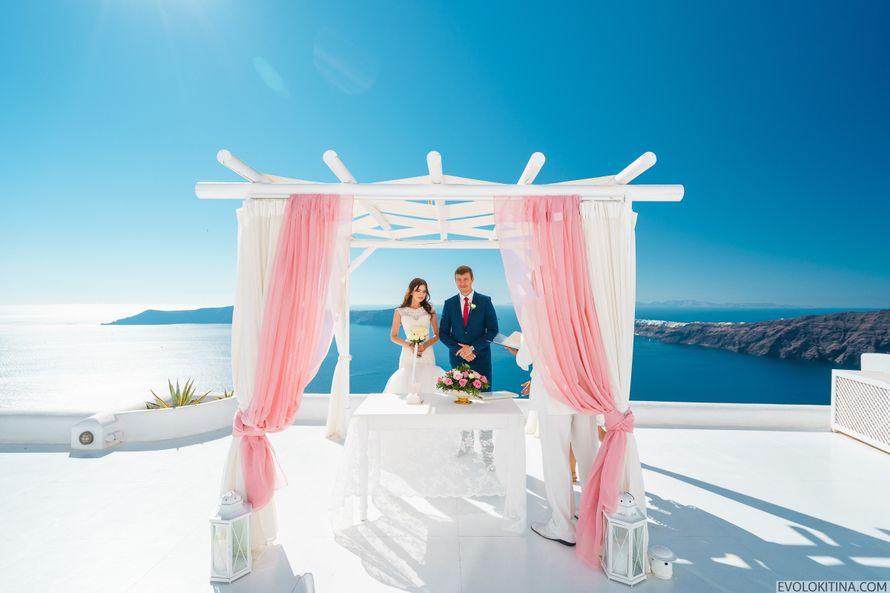 Символическая свадебная церемония на Санторини