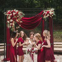 Любовь и лофт как вино (церемония, марсала, лампочки, стулья кьявари, невеста, подружки невесты)