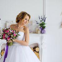 Букет невесты из розочек, лизиантуса, маттиолы и эвкалипта  Флорист Рина Озерова Фотограф Владимир Шумков