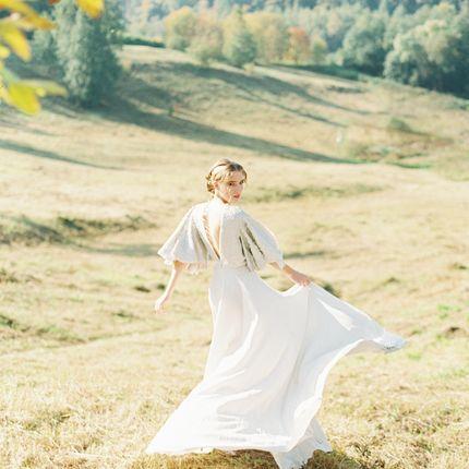 Шелковое свадебное платье с пайетками