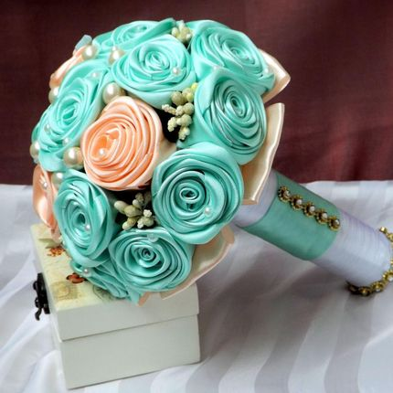 Мятный букет невесты