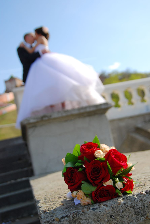 Букет невесты из розовых и красных роз - фото 2796009 Свадебный фотограф Эдуард Смирнов