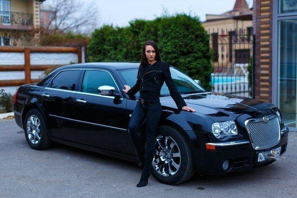 Фото 4247085 в коллекции CHRYSLER 300 C Самый большой седан длина 5,2 - LUXCar - аренда автомобилей
