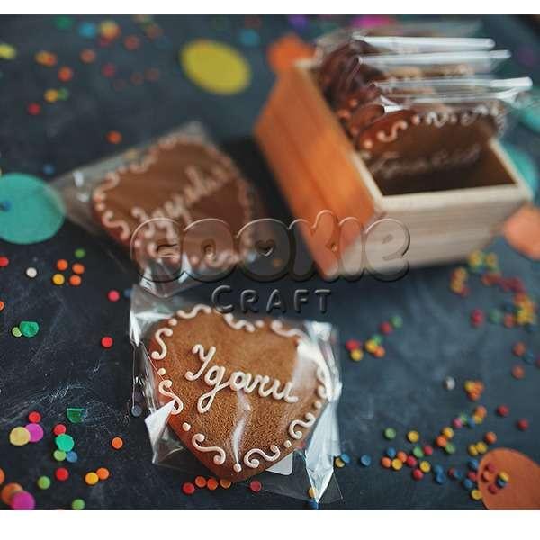 Набор пряничных сердечек с пожеланиями в деревянном лукошке - фото 14855166 Cookie craft - пряники и тортики ручной работы