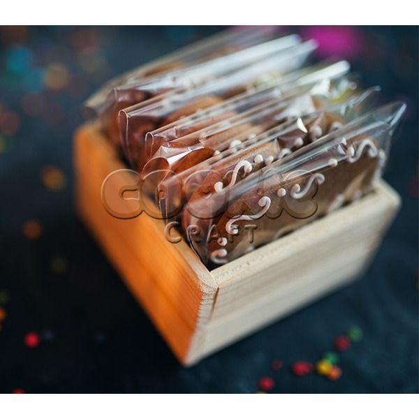 Набор пряничных сердечек с пожеланиями в деревянном лукошке - фото 14855168 Cookie craft - пряники и тортики ручной работы