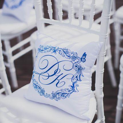 Печать на подушках для свадебного декора