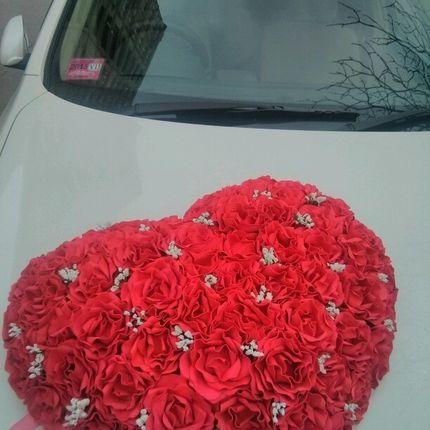Украшение из живых цетов для свадебных автомобилей