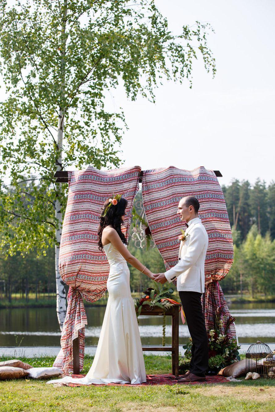 бохо-стиль, бохо, свадьба в стиле бохо, длинное платье, идея для платья, платье на заказ, идея для свадьбы, идея букета, образ невесты, хиппи, рустик, бохо - свадьба, ловцы снов, аксессуары, выездная церемония, выездная регистрация, свадьба у озера, озеро - фото 2965369 Ольга Кочетова - фотограф