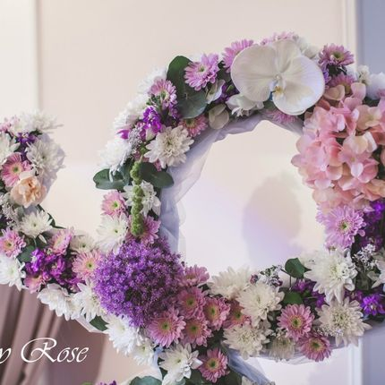 Инициалы из цветов, высота 140 см