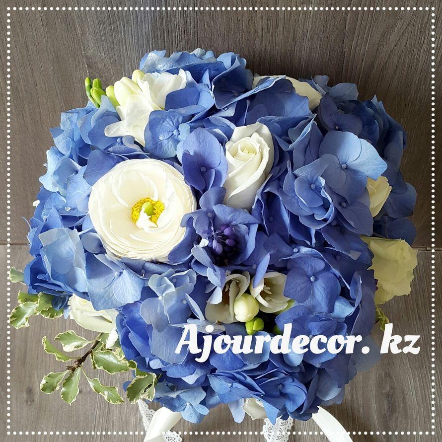 Букет невесты в бело-голубой гамме. Букет невесты из гортензий. - фото 5120557 Ajour Decor - Студия свадебного оформления