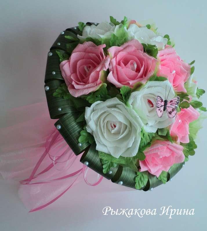 """Букет собран из 15 цветов в каждом цветочке находится конфетка """"Raffaello"""" , диаметр букета 35 см, высота 42 см, из цветов  конфеты легко вынимаются за ленточку - фото 5168485 Свит дизайн Рыжакова Ирина"""