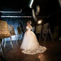 фотограф Матвей Матвеев  платье Дом Свадьбы  стилист-визажист Альбина Апасова  авторские аксессуары  Альбина Апасова