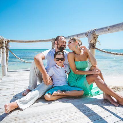 Семейная фотосессия на частном пляже