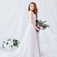 Стильное платье для современной невесты в великолепном пудровом цвете!  Размер: 42-44 Цвет: розовый кварц Стоимость: 28.000