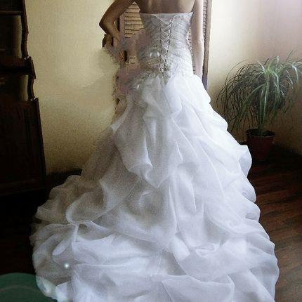 Воздушное платье в белом цвете