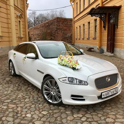 Jaguar XJ long Premium в аренду