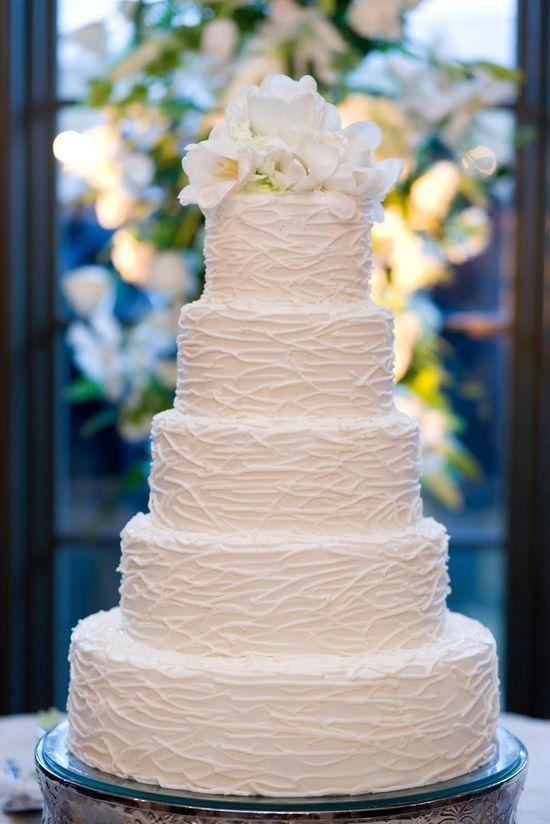 Белый свадебный торт фото