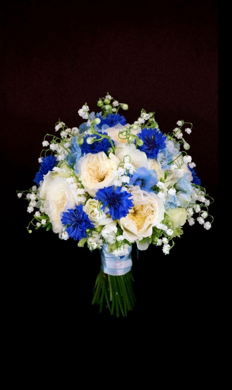 Букет невесты, букет из синих роз и белых ромашек фото
