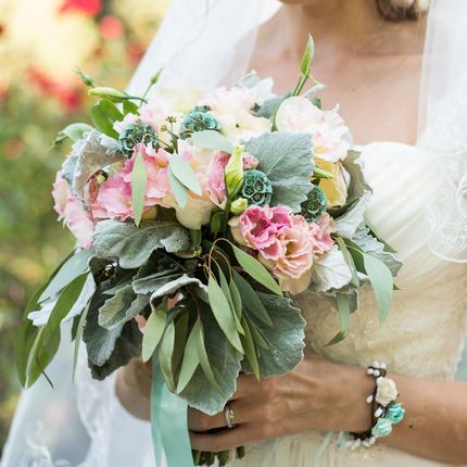 Кремово-бирюзовый букет невесты