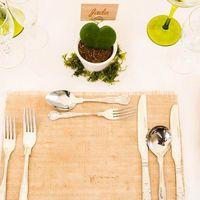 Свадьба в стиле эко Главные принципы такого праздника — минимум украшений, природные материалы и сельская тематика.