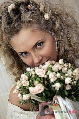 Фото 9124 в коллекции Прически с живыми цветами