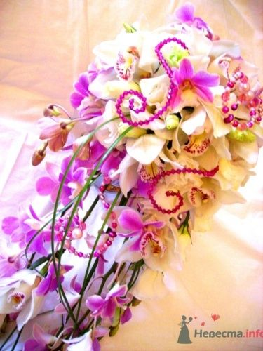 Букет каскадный из орхидей - фото 729 Флорист-дизайнер Екатерина